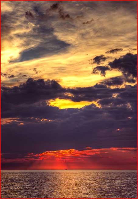 שקיעות שמש מעל הימת יורון