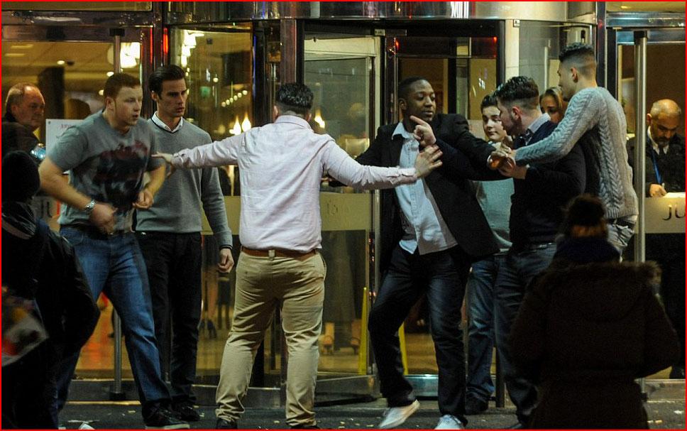 איך חגגו את ליל הסילבסטר ברחובות לונדון