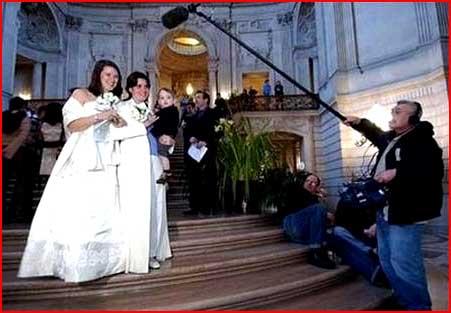 זוגות חד-מיניים מתחתנים