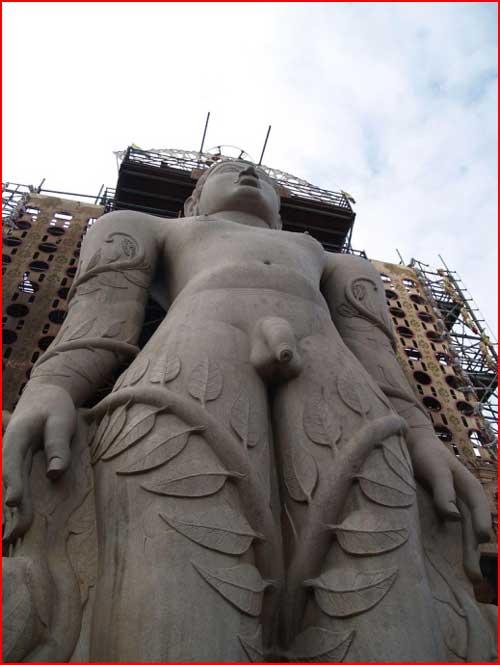 פסלים מזווית קצת אחרת