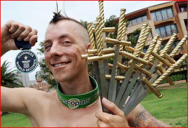 בולע חרבות בסידני, אוסטרליה