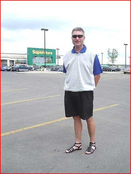 גבר שאוהב נעלי נשים