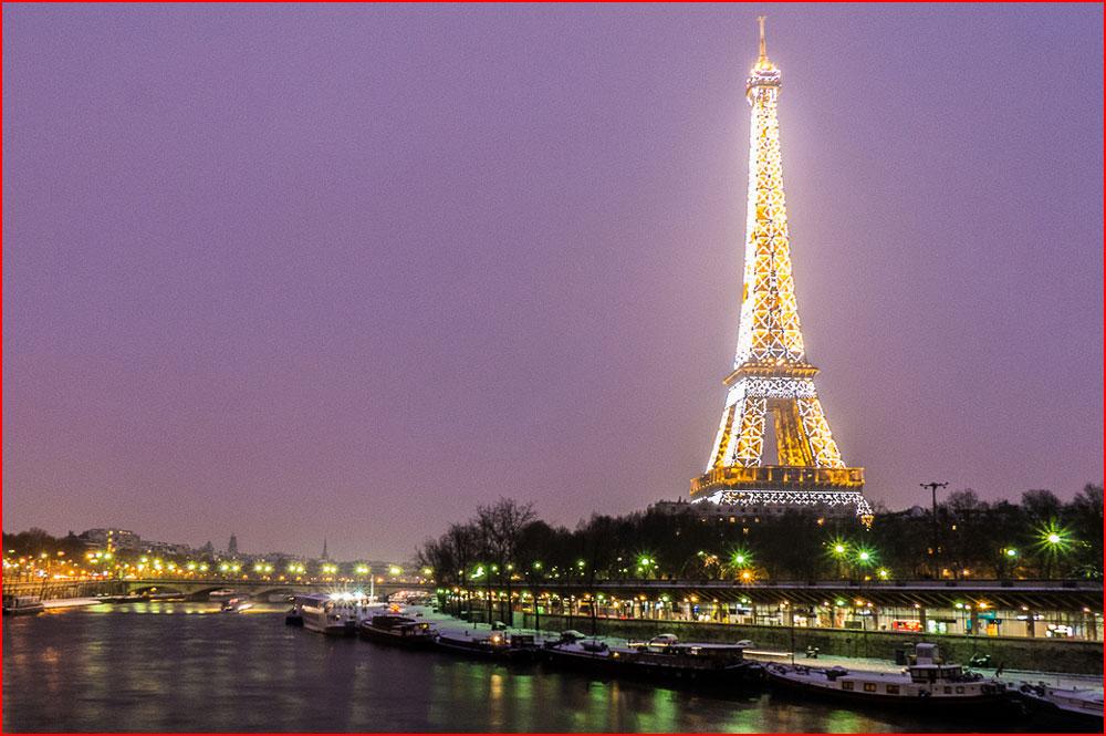 פריז מתקשטת לקראת הסילבסטר