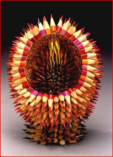 עשוי מעפרונות