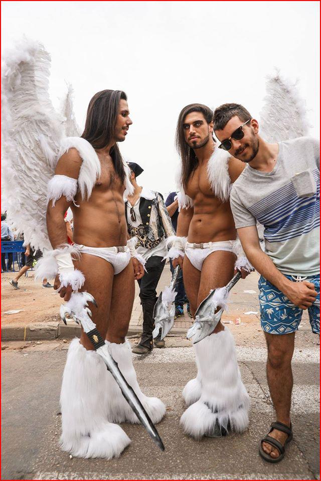 לא ראית מלאכים במקרה?