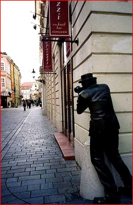 פסלים לא שגרתיים