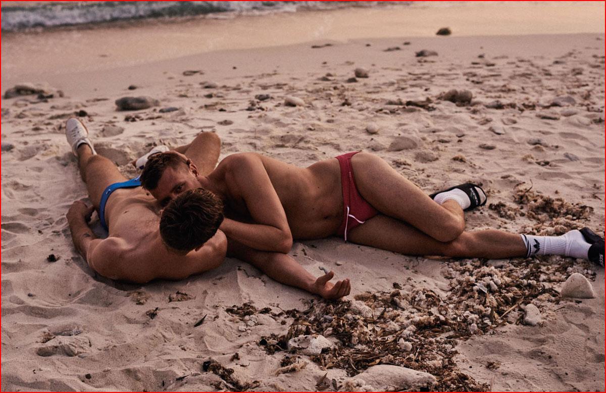 מאוהבים על החוף