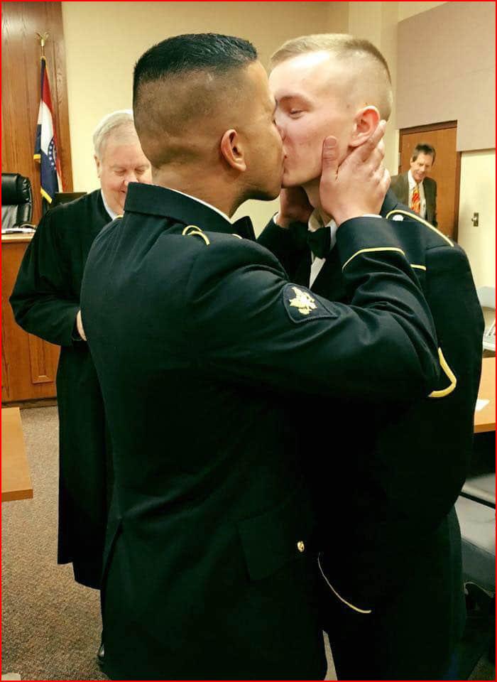 חתונת חיילים