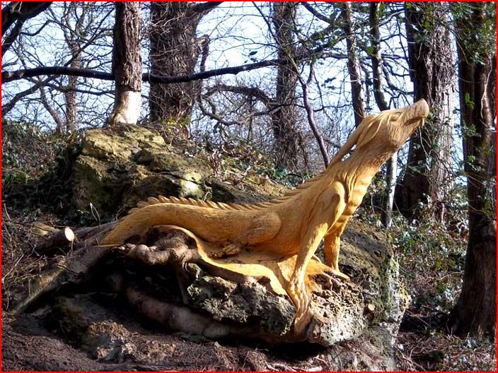 הפסלים מגדמים של טומי קראגס מבריטניה