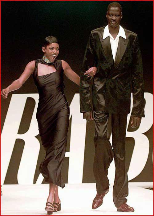 מנות בול - האיש הכי גבוהה בעולם