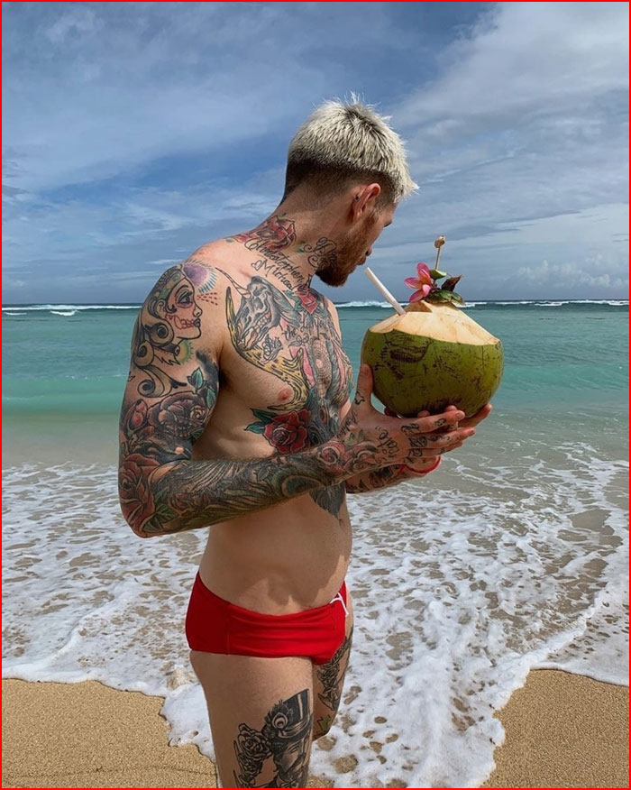 תענוג בחוף תאילנדי