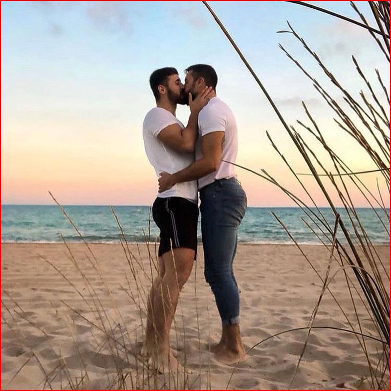מאוהבים בחוף הים