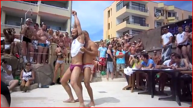 מסיבת גייז רטובה (וידאו)