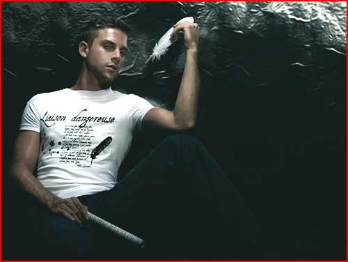Vilain Garcon משיק פרסומת טי שירטים