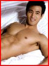 גברים יפים במיטה (20 תמונות)