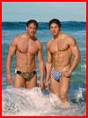 גברים בחוף הים